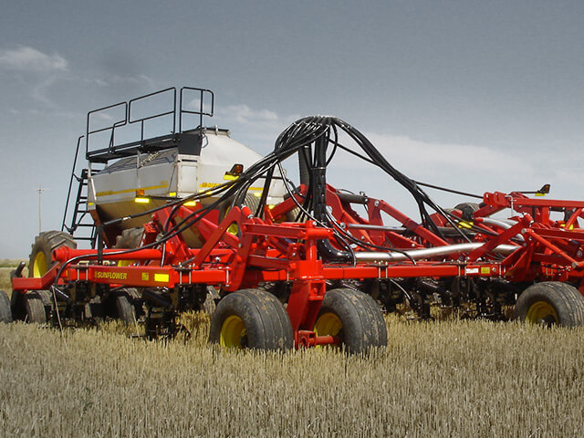 sunflower-seeding-9700-air-drill.jpg