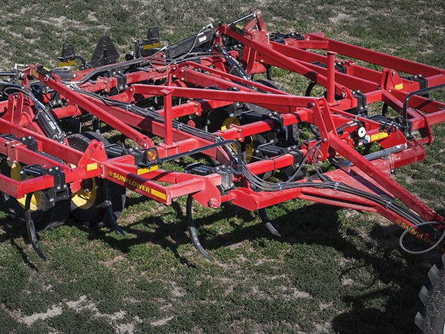 sunflower-tillage-2500-chisel-plow.jpg
