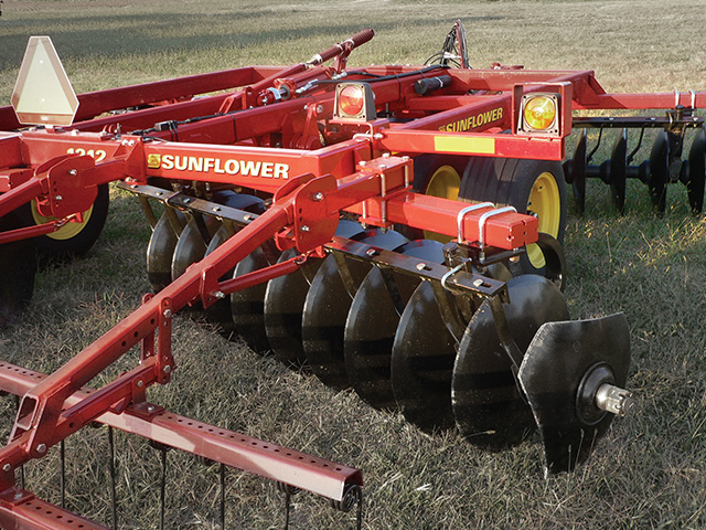 sunflower-tillage-1212-disc-harrows.jpg