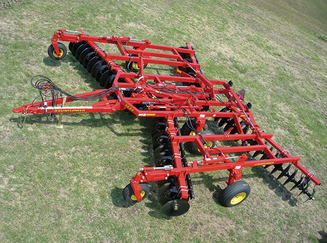 sunflower-1234-disc-harrow-02017.jpg