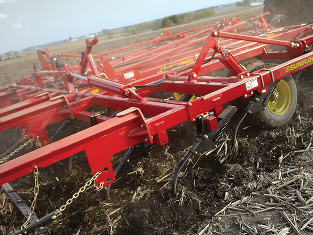 sunflower-tillage-6333-land-finisher.jpg