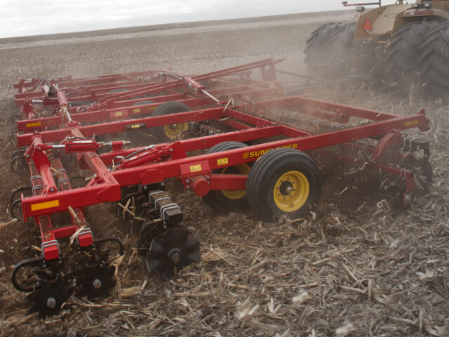 sunflower-tillage-6830-rotary-finisher.jpg